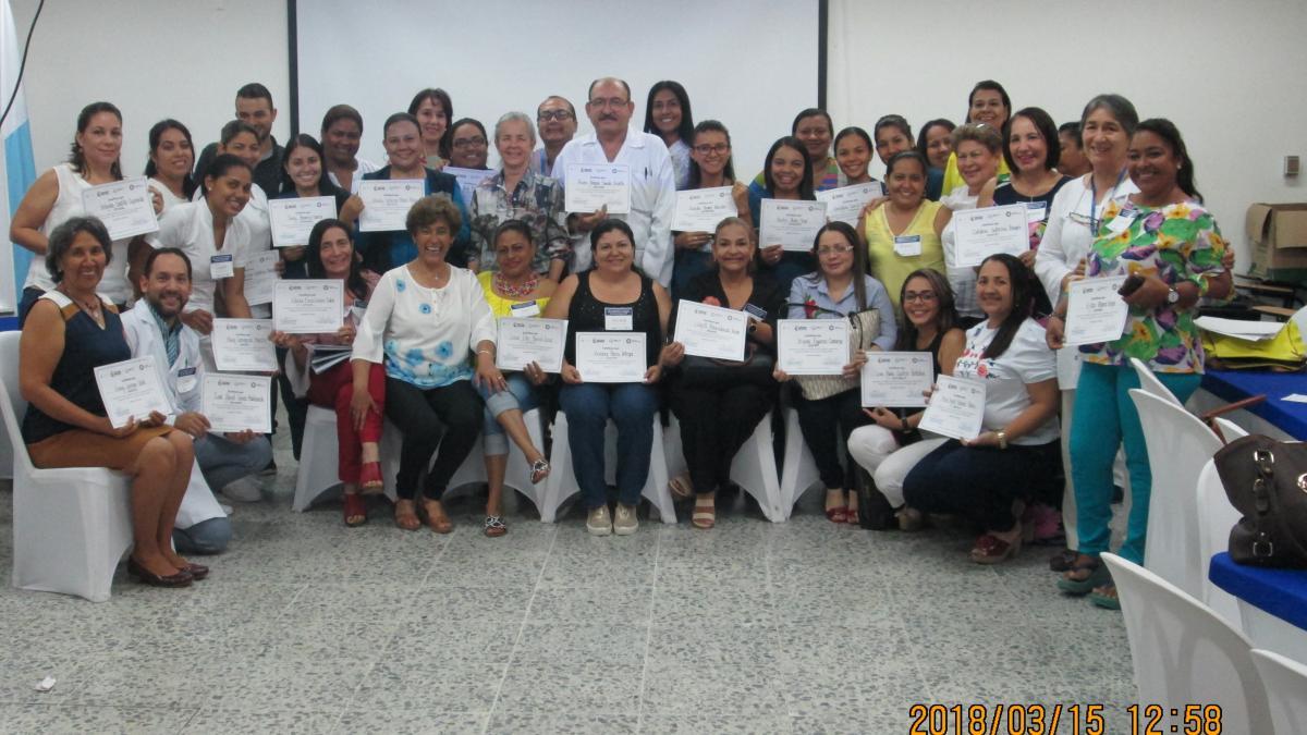Distrito participa en capacitación a Instituciones Amigas de la Mujer y la Infancia Integral -IAMII-