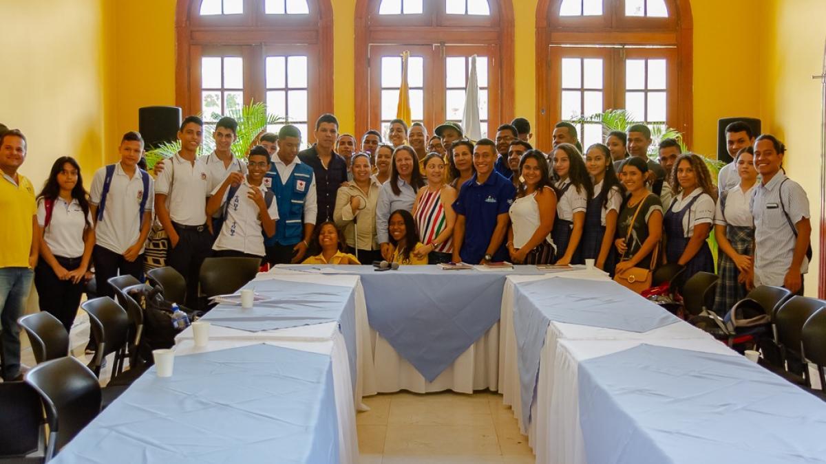 Alcaldía Distrital promueve el liderazgo social de los jóvenes samarios