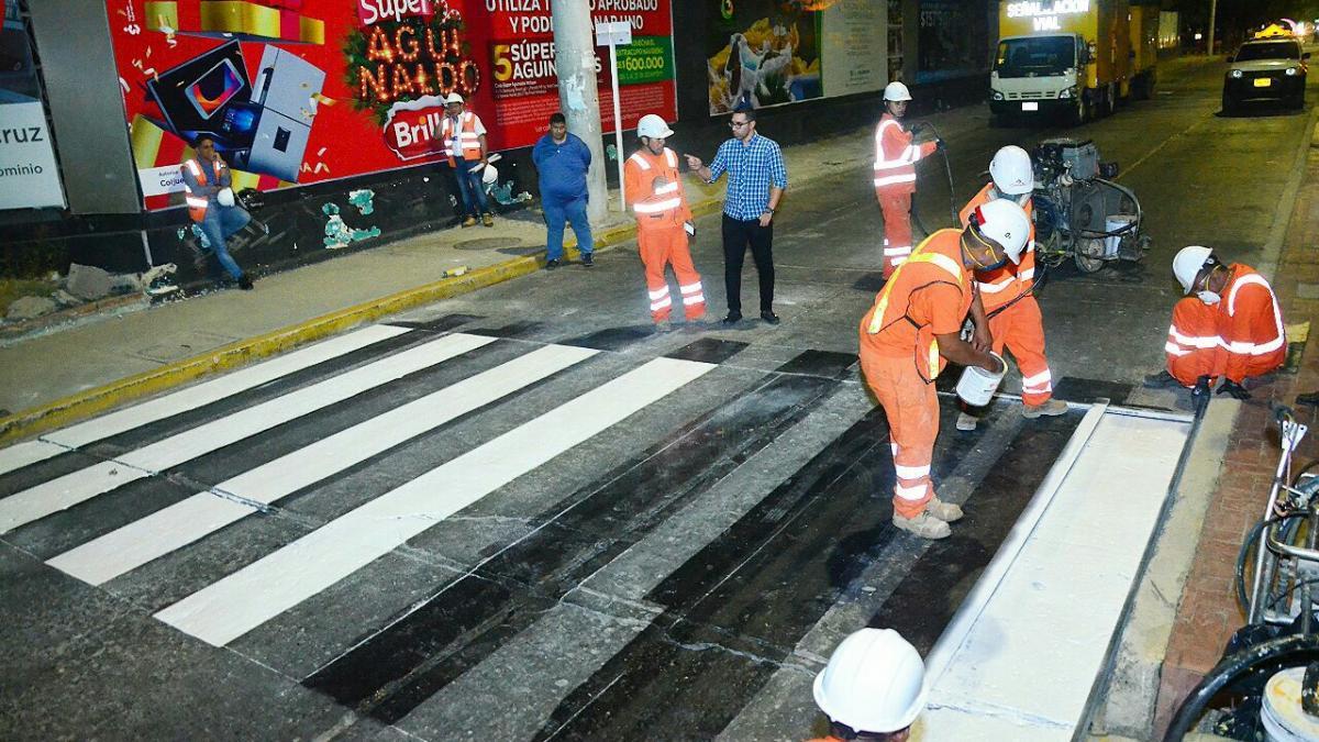 Alcaldía inicia renovación de cebras, pasos peatonales y señalización vial