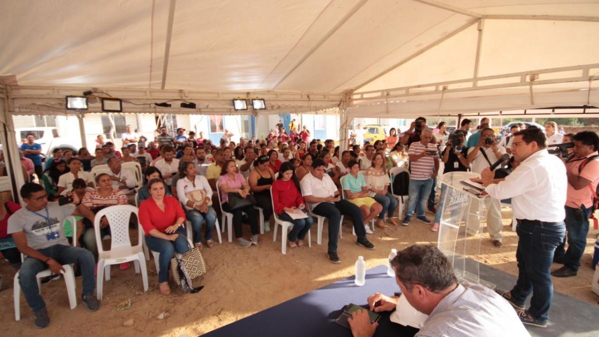 Alcalde puso la primera piedra del proyecto 'Santa Helena'