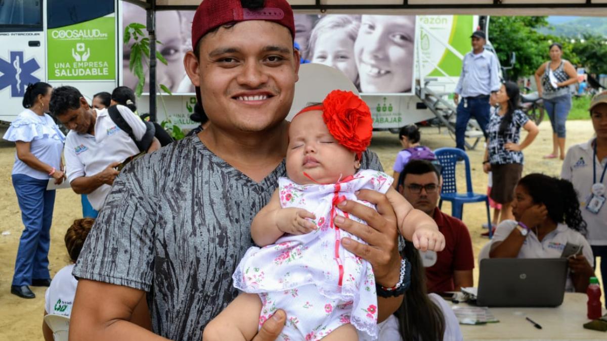 """""""No había podido llevar a mi hija al médico porque no tenía Sisbén"""": Jeison Romero"""
