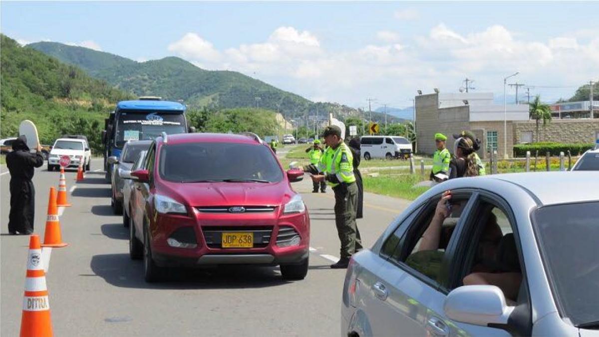 'Pico y placa' y restricción de motos se mantendrán en Semana Santa