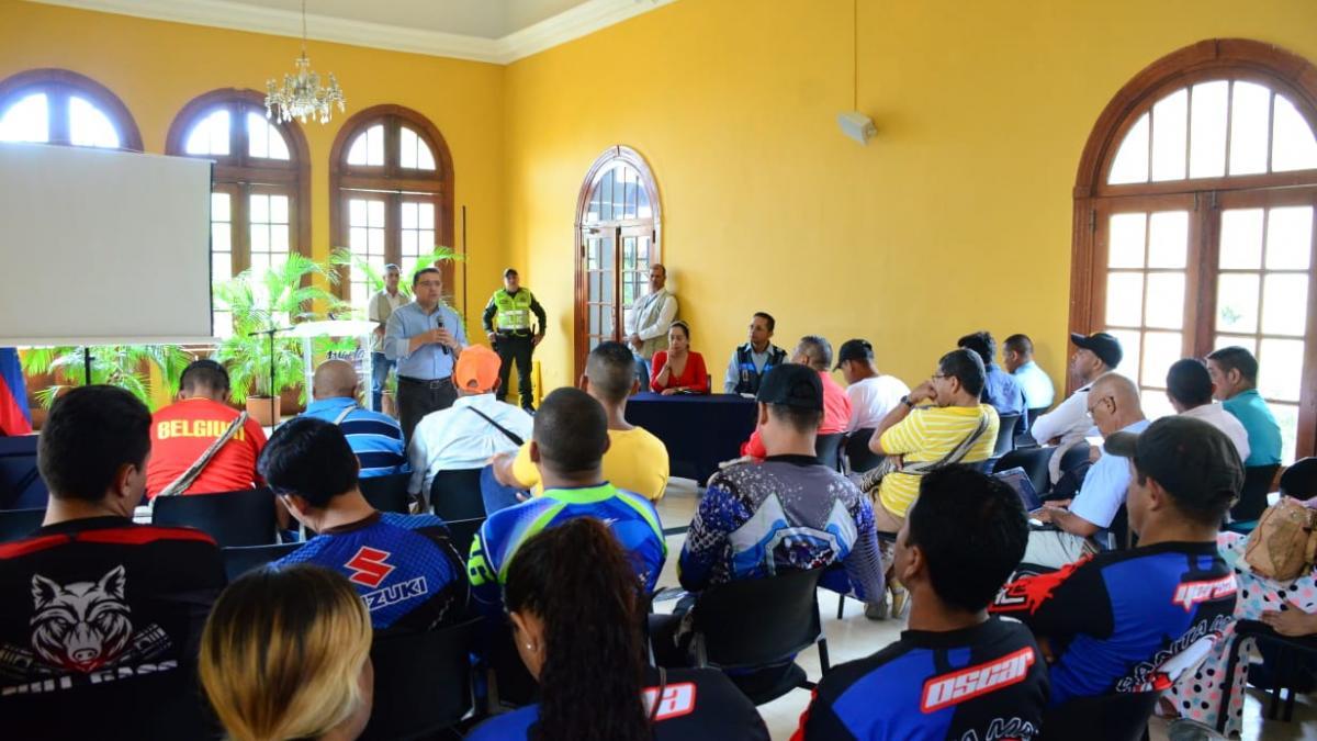 Alcaldía del Cambio tomará decisiones frente a la medida de dos días sin moto al mes