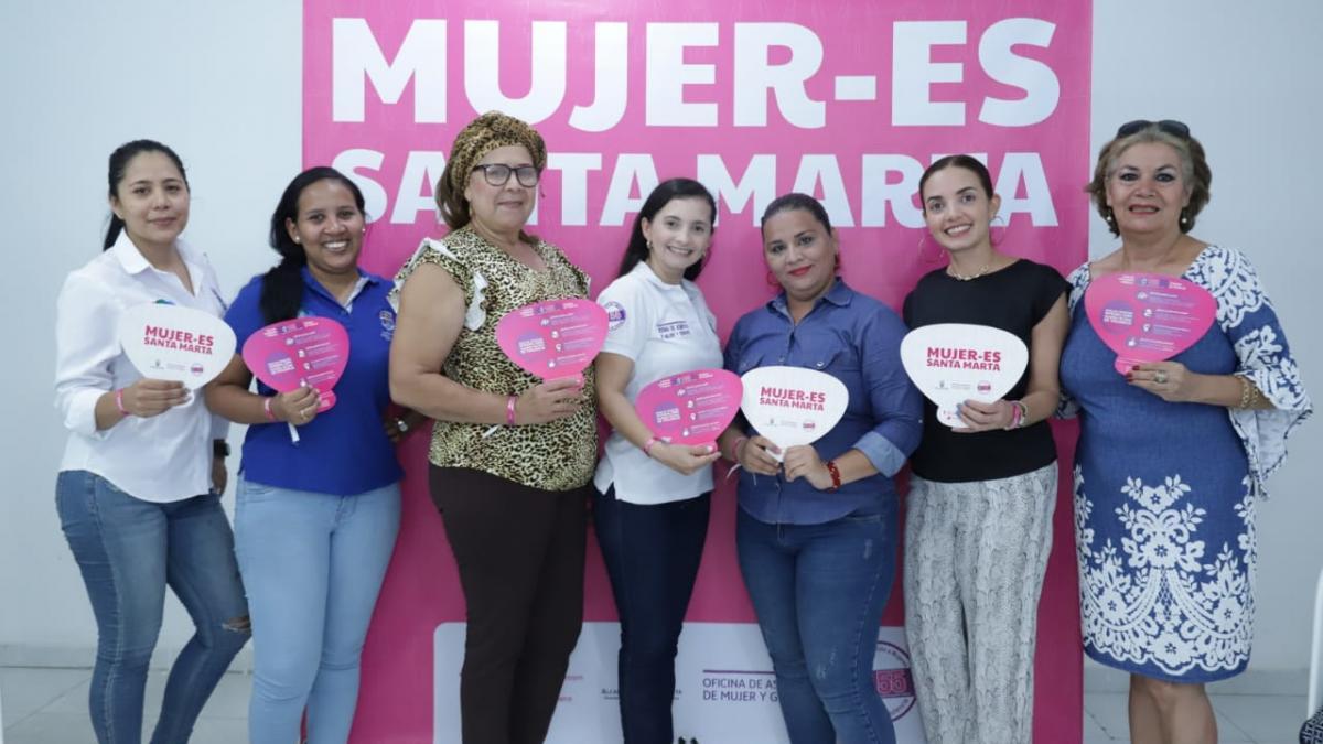 Alcaldía del Cambio lidera reunión con la Mesa Diversa de Mujeres
