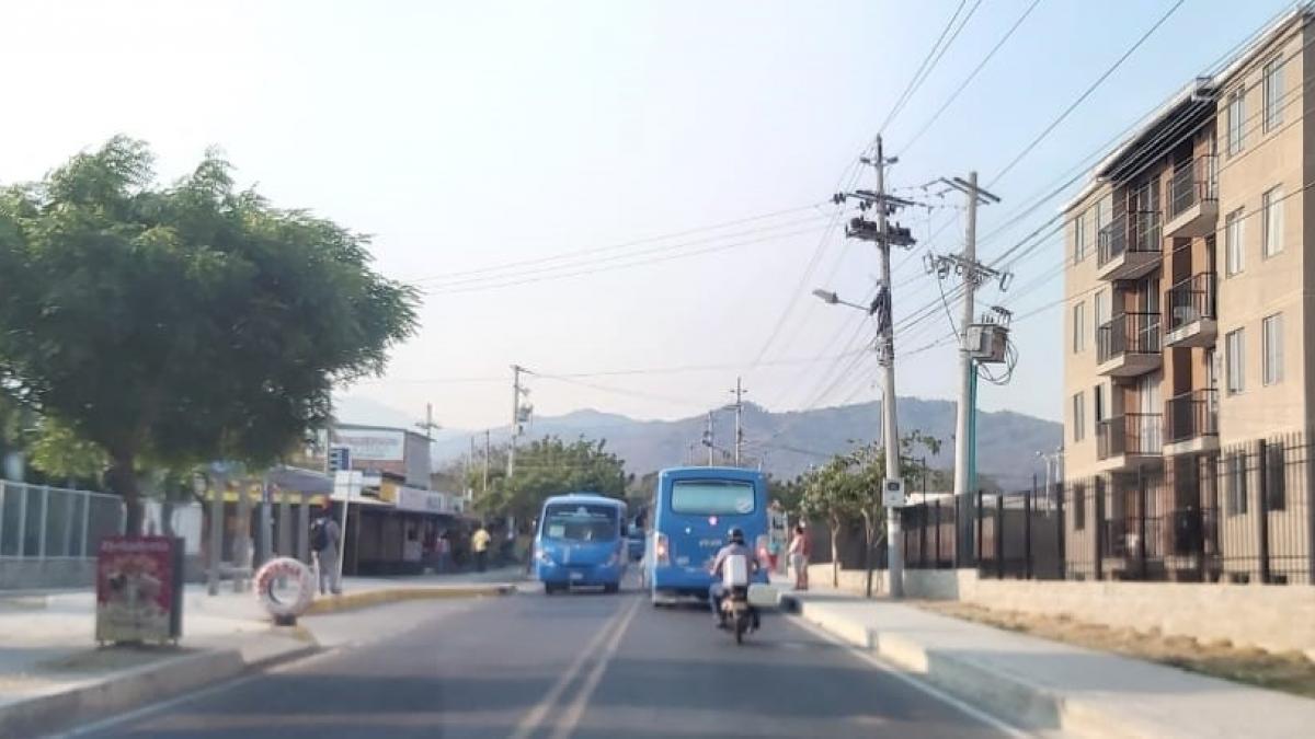 Alcaldesa exige a empresas de transporte público colectivo que cumplan con sus rutas durante la cuarentena en Santa Marta