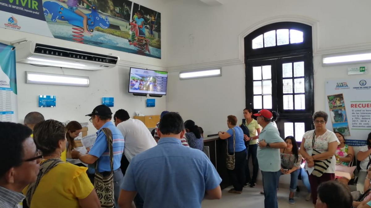 Atención en jornada continua a samarios para que aprovechen últimos días de descuento del 20% en Impuesto Predial