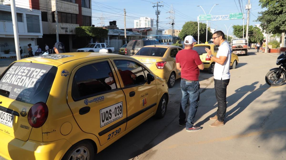 Secretaría de Movilidad invita a taxistas a usar la tarjeta de control