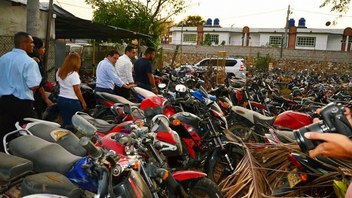 Distrito empezará a chatarrizar motos y carros abandonados en los patios