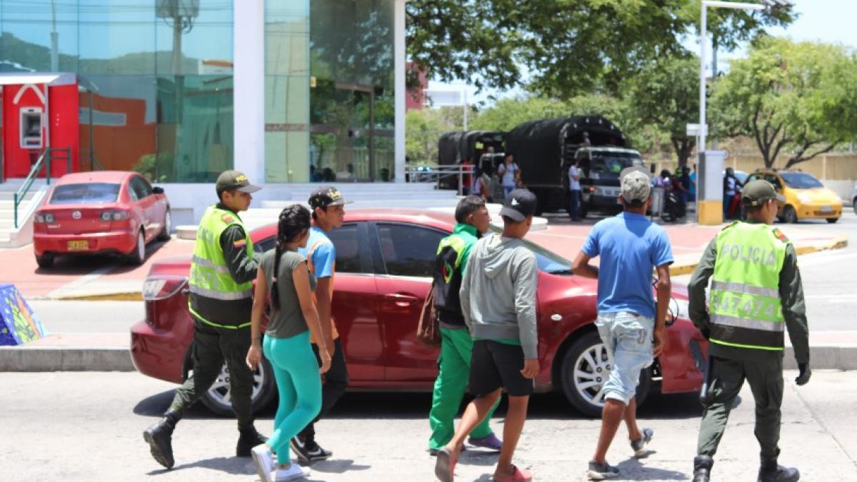 La Alcaldía intensifica control a venezolanos Instituciones de seguridad realizaron Plan Semáforos en Santa Marta