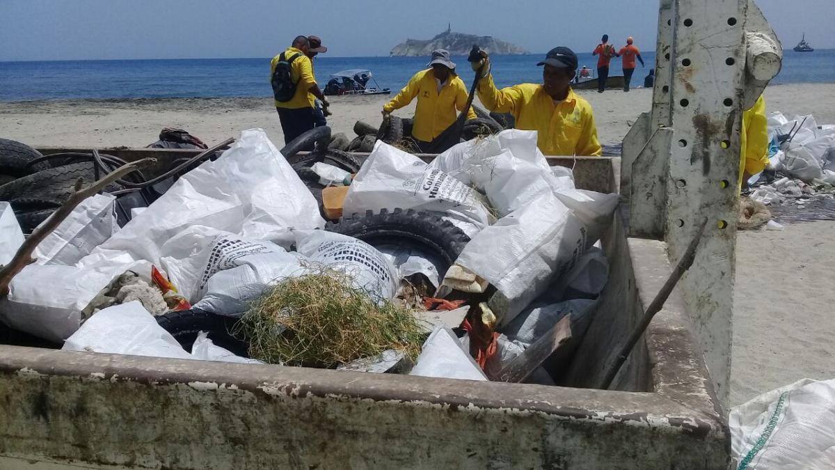 38.6 toneladas de residuos se recogieron en la Playatón en Los Cocos
