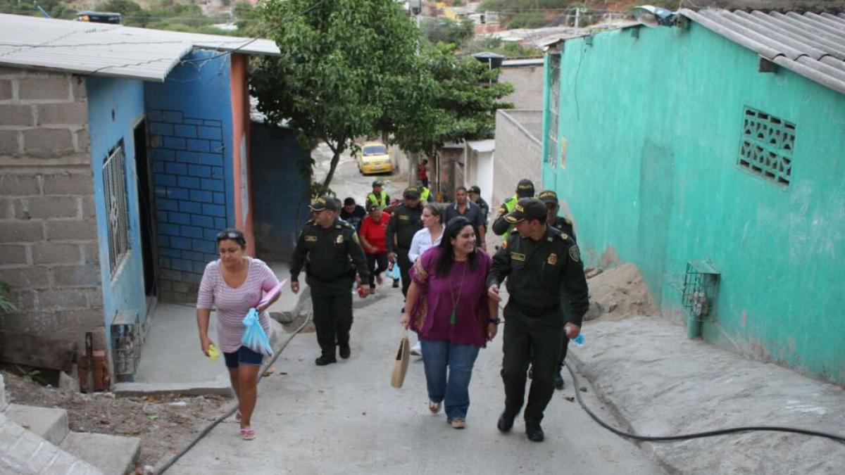 Distrito y Policía Metropolitana realizan recorridos en diferentes barrios de la ciudad