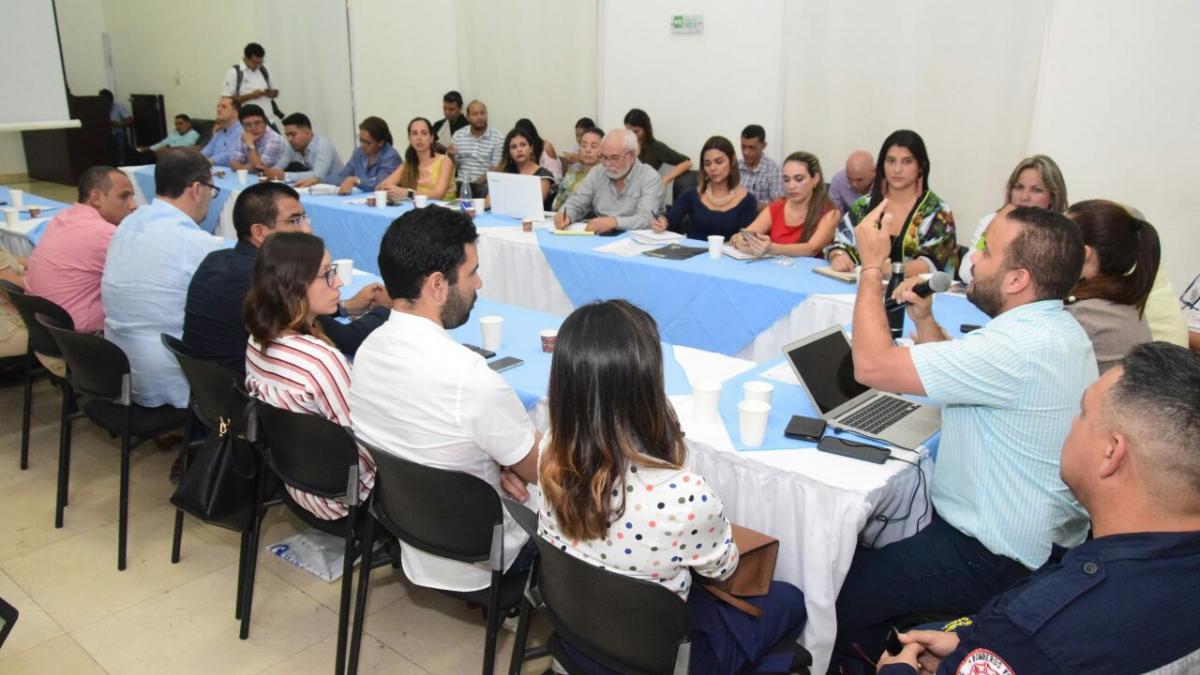 Distrito se reunió con gremios para fortalecer la labor de la autoridad sanitaria