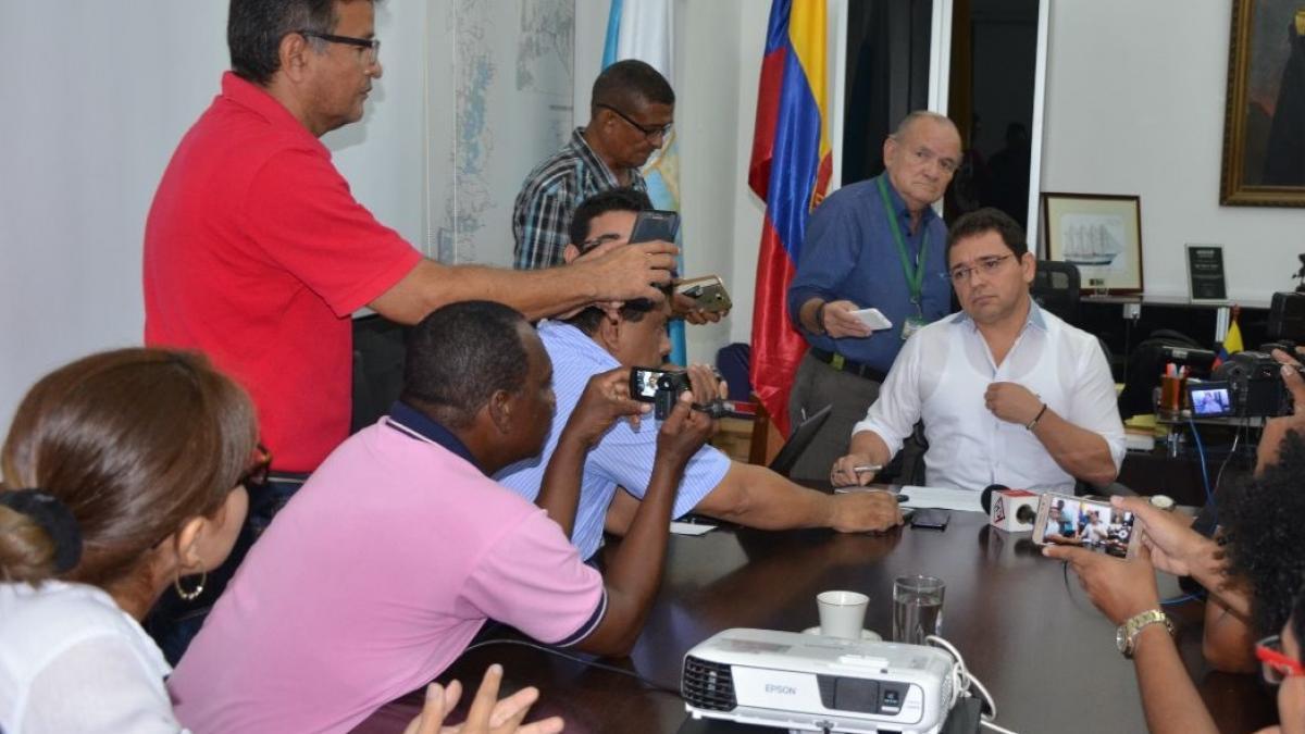 """""""Invitamos a los contribuyentes a pagar sus impuestos, este 31 de octubre vence el plazo"""": alcalde Martínez"""