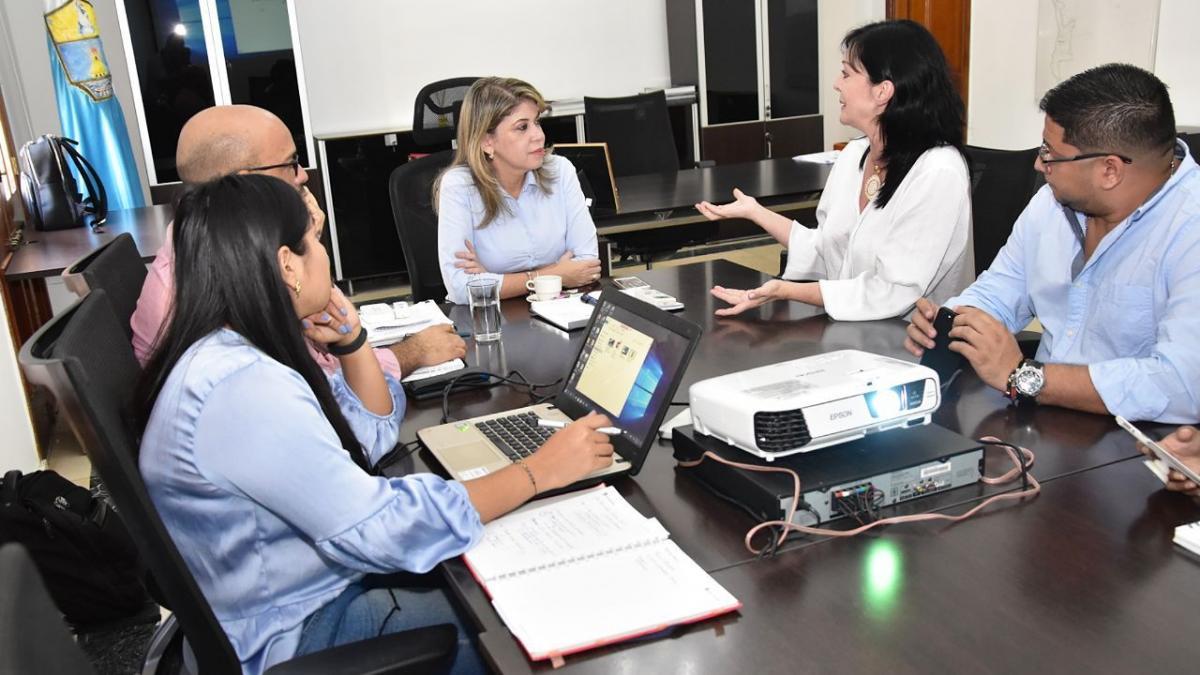 Alcaldesa Virna Johnson lidera proceso para generar en  los samarios apropiación del SETP