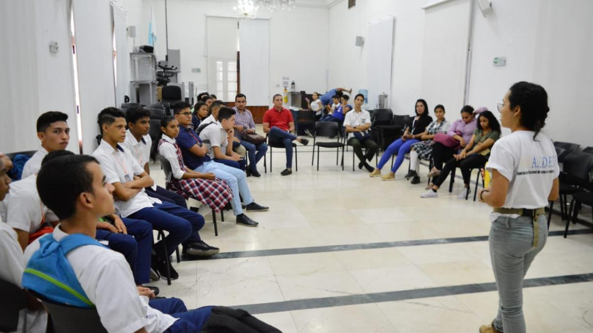 Alcaldía Distrital apoyó Seminario: Historia del Movimiento Estudiantil