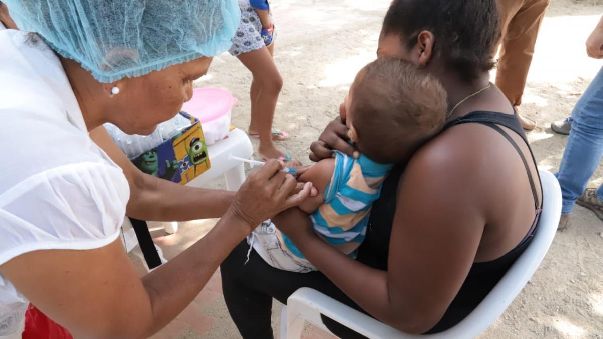 Distrito coordina con líderes acciones contra el sarampión