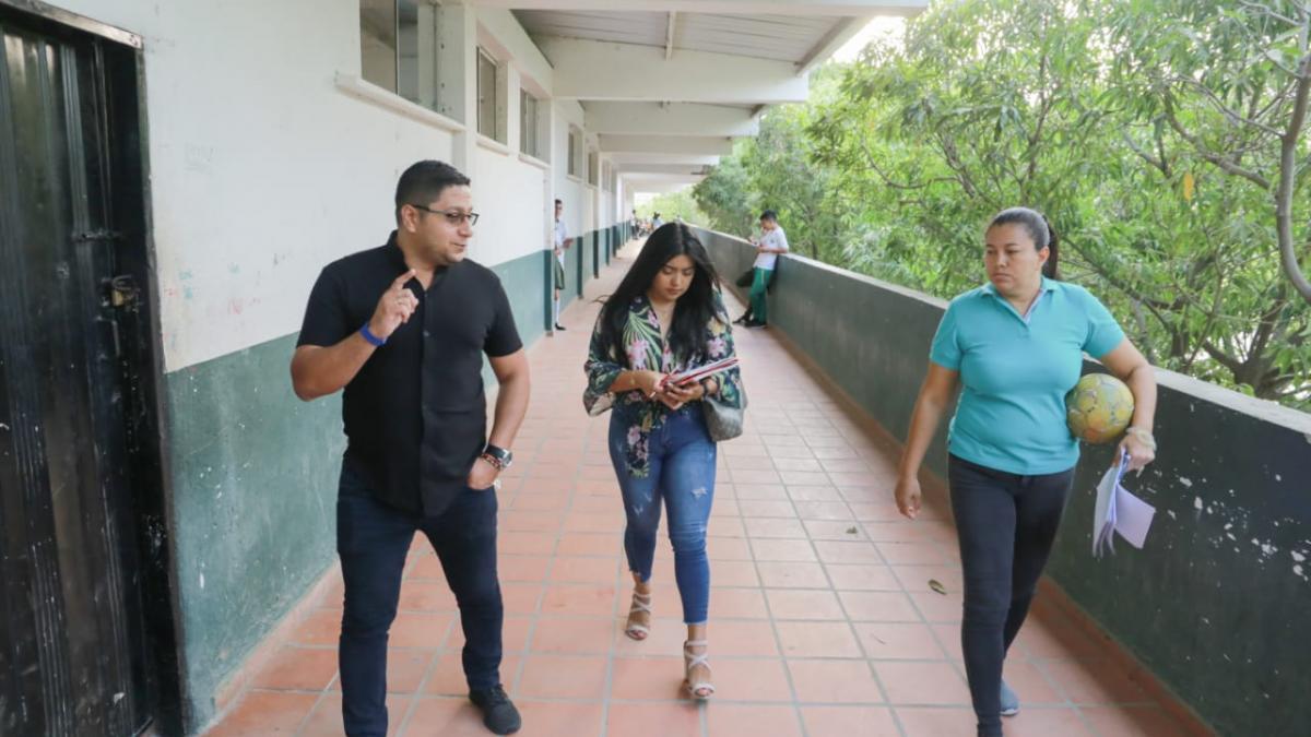 SETP visita instituciones educativas donde se dictarán las capacitaciones a los conductores del Transporte Público Colectivo