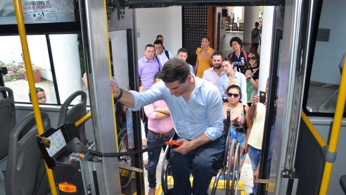Accesibles y cómodos son los nuevos buses del transporte público: Jairo Clopatofsky