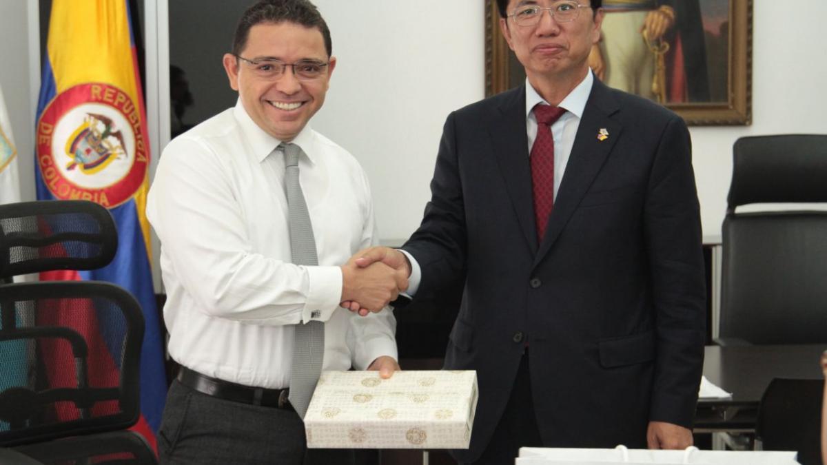 Visita del Embajador de Corea del Sur