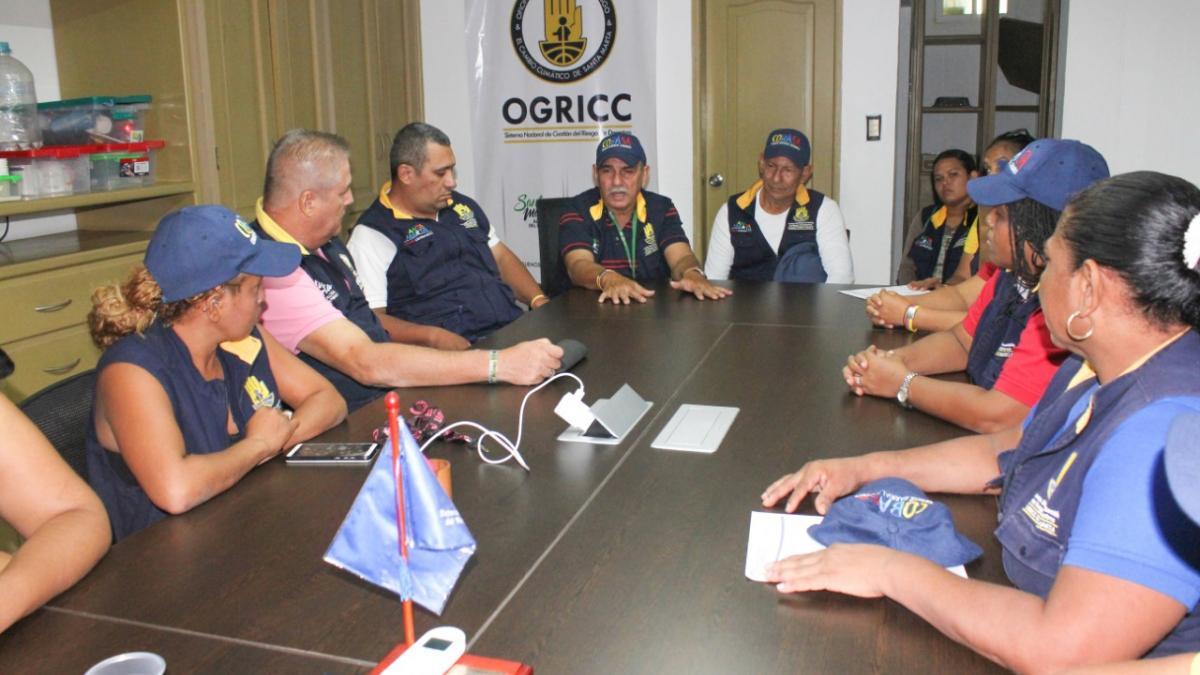 Alcaldía del Cambio coordina mesa de trabajo con los líderes del Cobasa