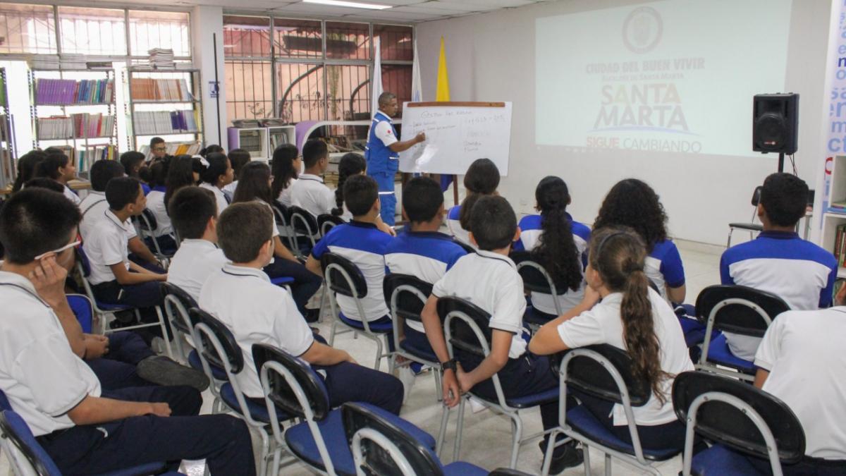 Alcaldía del Cambio realiza taller: 'Gestión del Riesgo Escolar: Preparativos escolares para la respuesta a emergencias y respuesta' en la Institución Educativa Distrital Liceo Samario